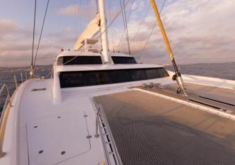 Sunreef le foto del superyacht houbara 82 a vela for Piani cabina personalizzati