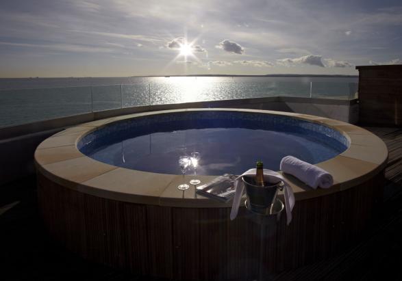 Foto Spitbank Fort Hotel piscina sul terrazzo