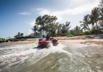 Gibbs Quadski in acqua tre quarti posteriore